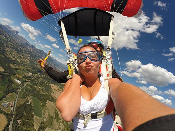 Saut en parachute avec vidéo
